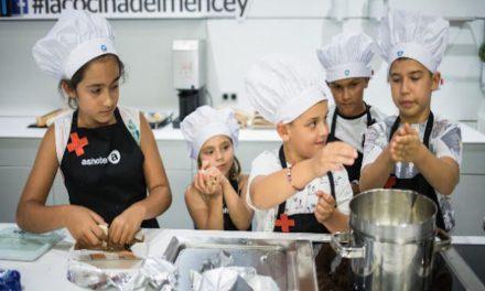 LOS PEQUEÑOS CHEFS SOLIDARIOS SE DAN CITA EN LA COCINA DEL MENCEY